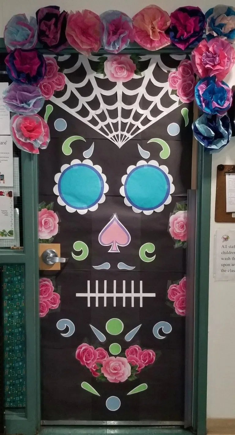Easy and Creative Halloween DIY Door Decorations at School ~ Home Design Ideas #halloweendoordecor