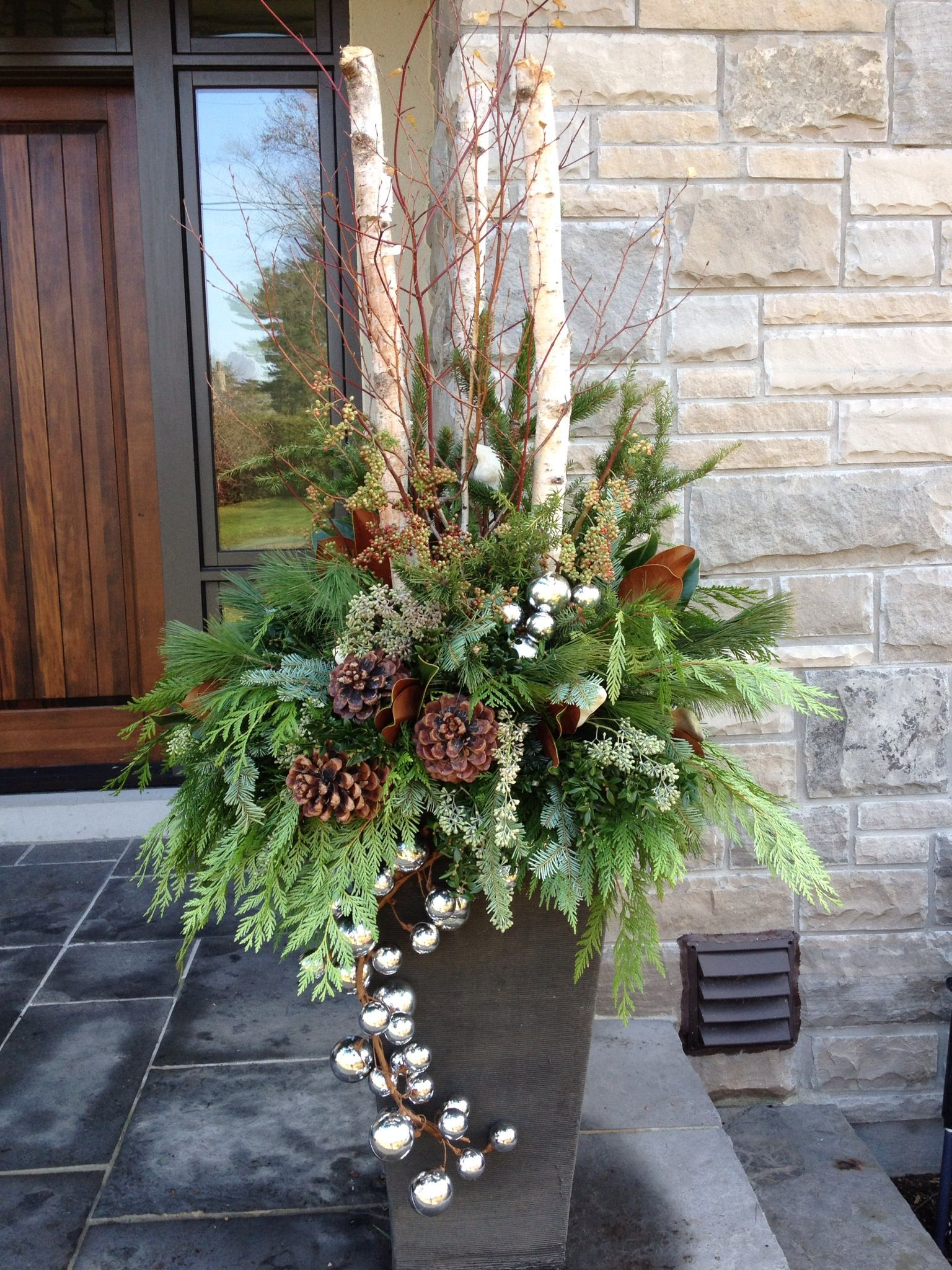 Christmas outdoor urn by carla mcgillivray decoration for Decorations exterieures de noel