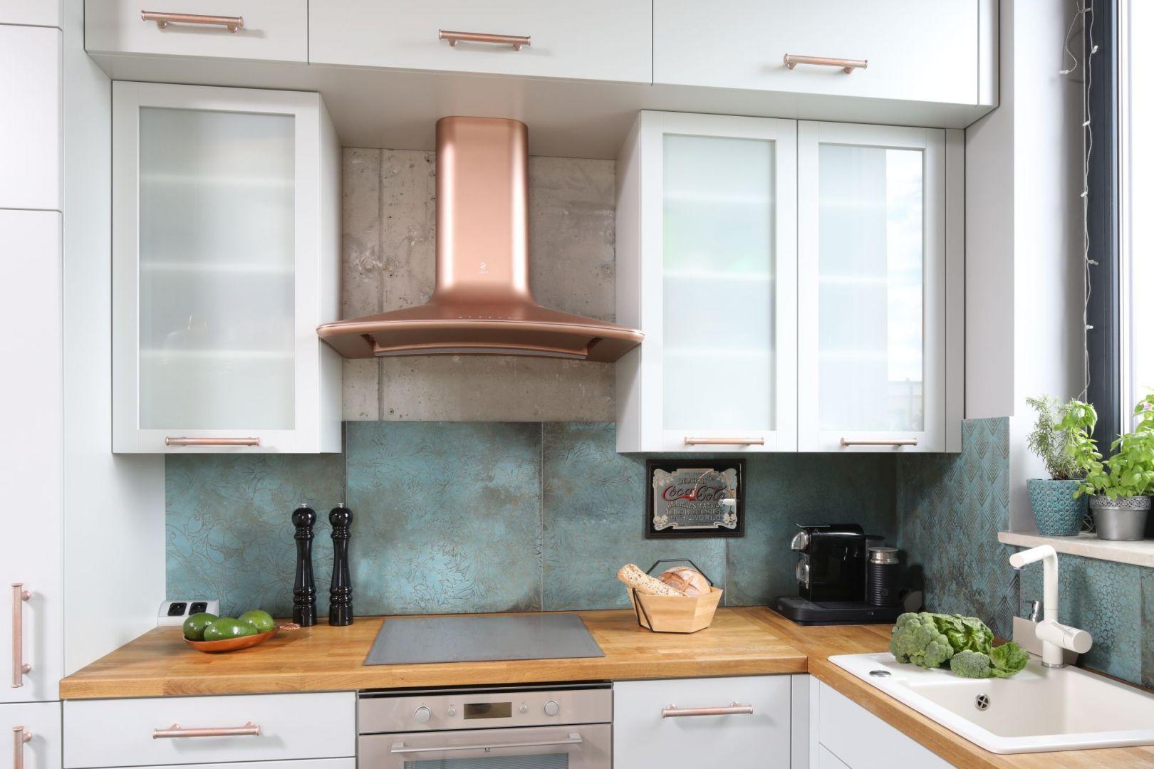Sciana Nad Blatem 20 Pieknych Zdjec Kuchni Galeria Dobrzemieszkaj Pl Kitchen Kitchen Cabinets Decor