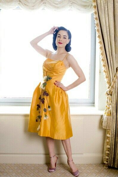 Dita Von Teese Style   ROCK ME BABY   Pinterest 322cf705561a
