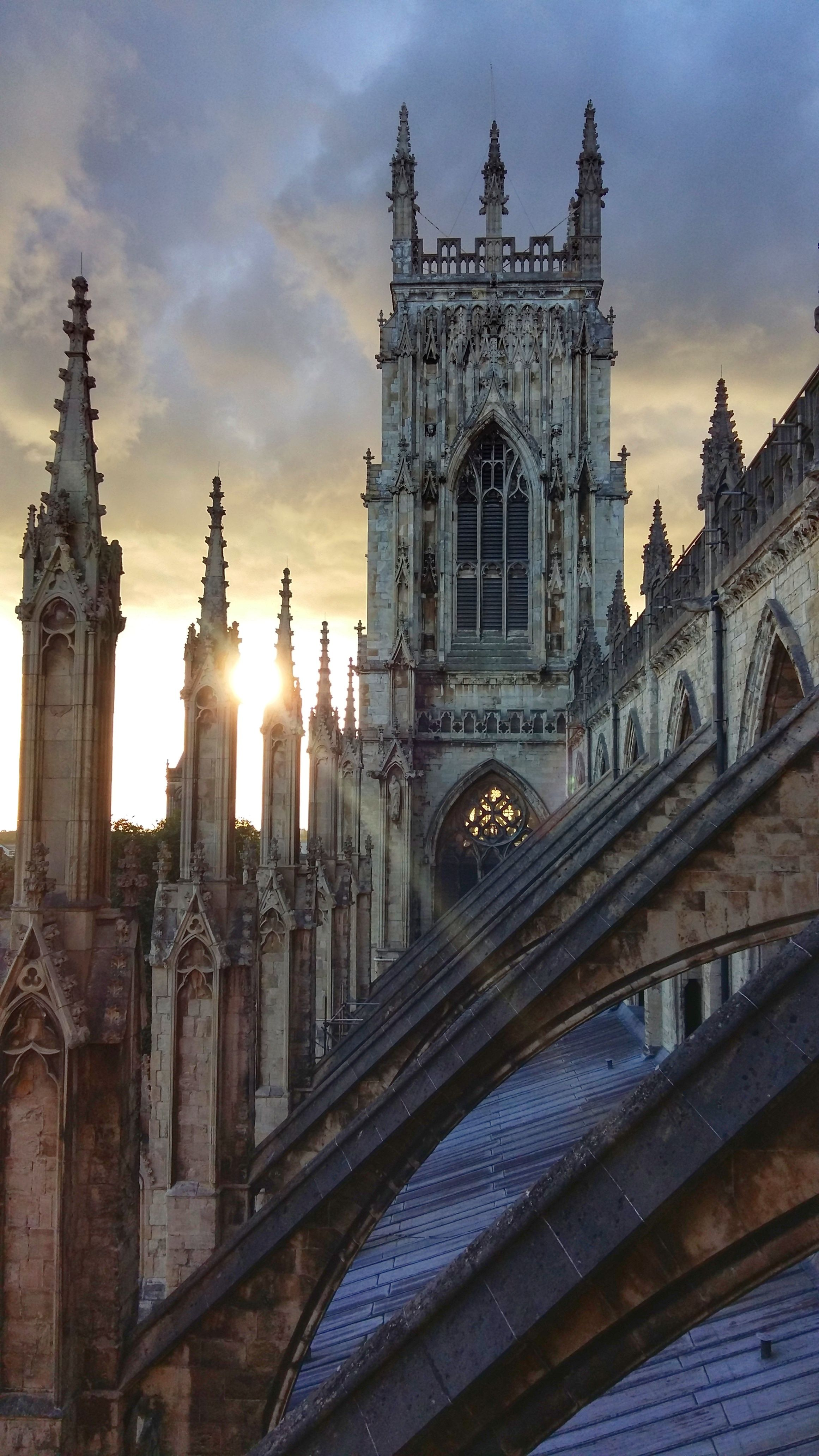 York is one of my favourite cities in England, and so pretty! You will find plenty of things to do in York, and even on a budget too. Here are some photographs of York to really inspire your wanderlust! Explore England and enjoy!