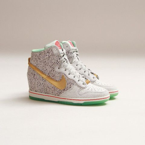 CNCPTS   Nike Womens Dunk Sky Hi YOTH QS (Light Bone Arctic Green ... 3c79c64c3aeb