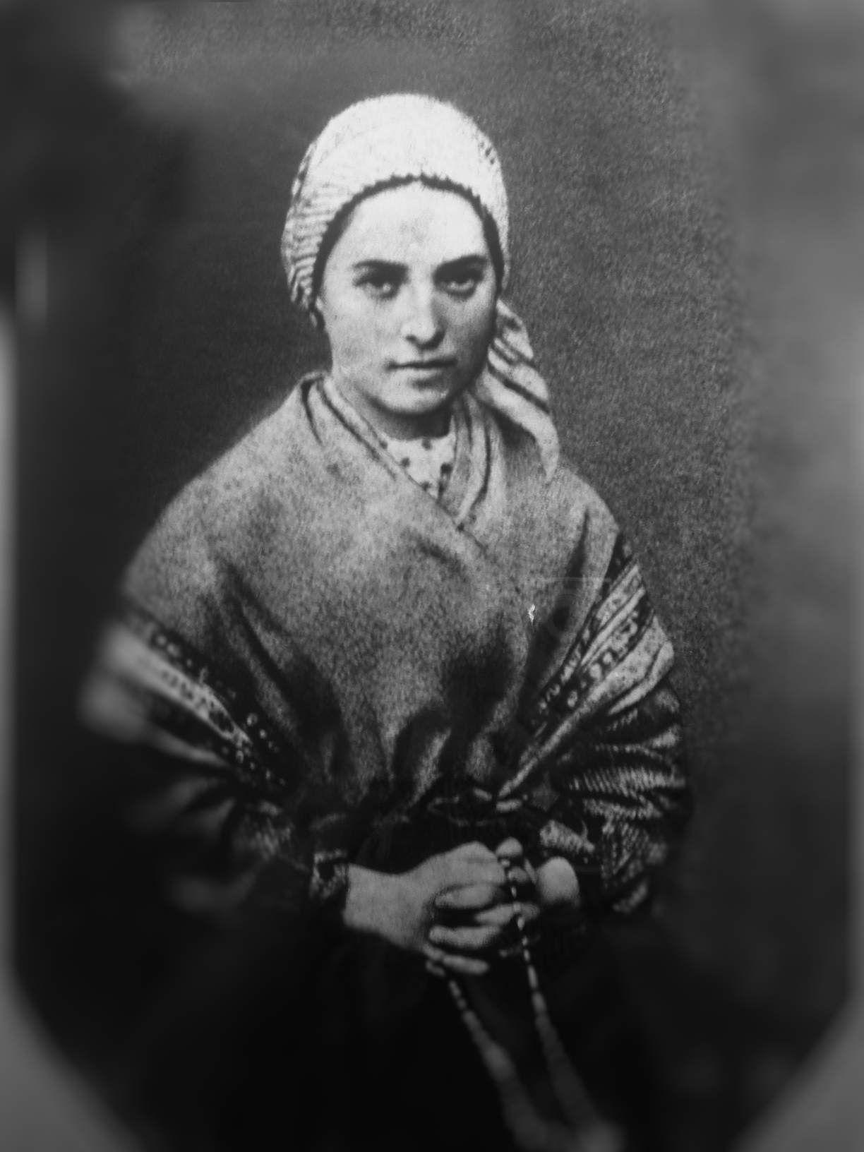"""""""Quel poco tempo che siamo al mondo, bisogna impiegarlo bene."""" Santa Bernadette Soubirous"""