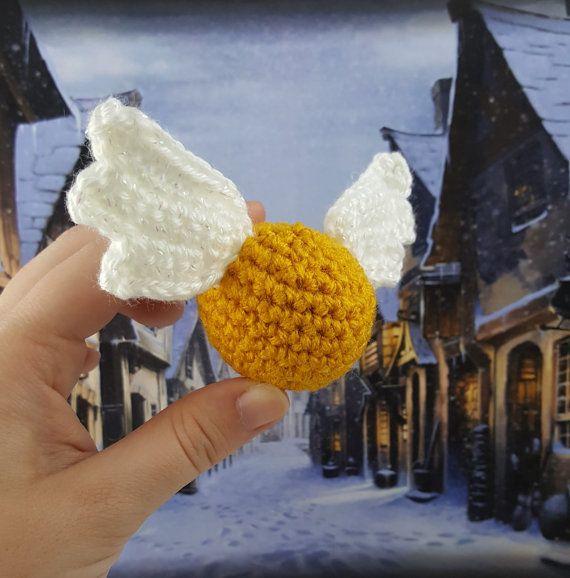 Boccino https://www.etsy.com/it/listing/254769379/harry-potter-crochet-snitch-pronti-per