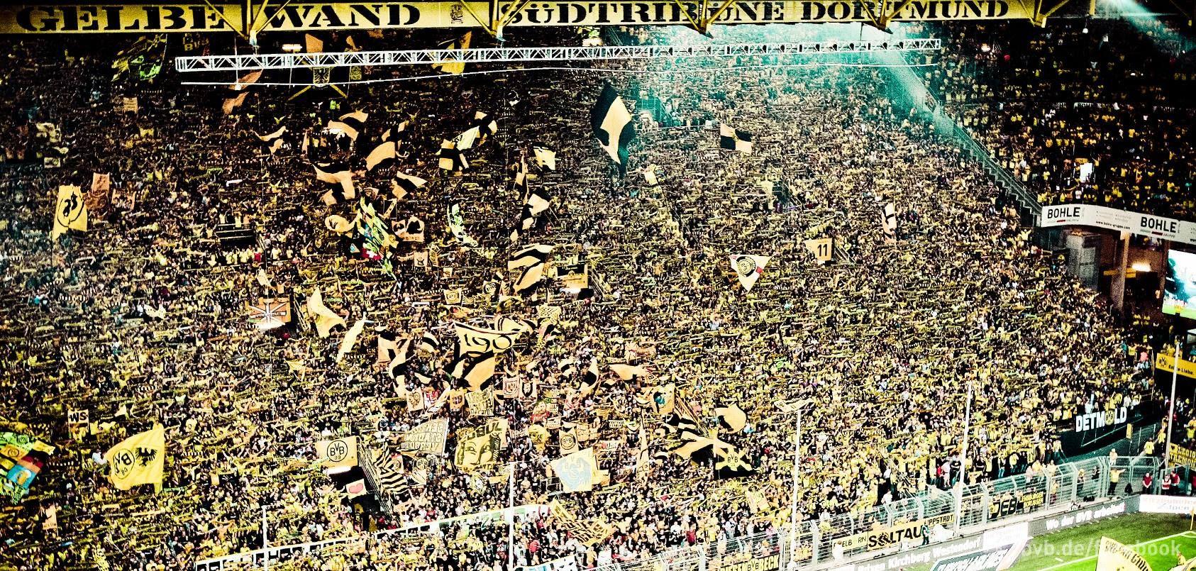 Und wenn du das Spiel gewinnst ganz oben stehst dann steh´n wir hier und sing´ Borussia Borussia BVB ................... .........                                             Und wenn du das Spiel verlierst ganz unten stehst dann steh´n wir hier und sing´ Borussia Borussia BVB  ................... .........                                                Und was auch immer geschieht wir steh´n dir bei bis in den Tod und sing´ für dich für dich Borussia Borussia BVB