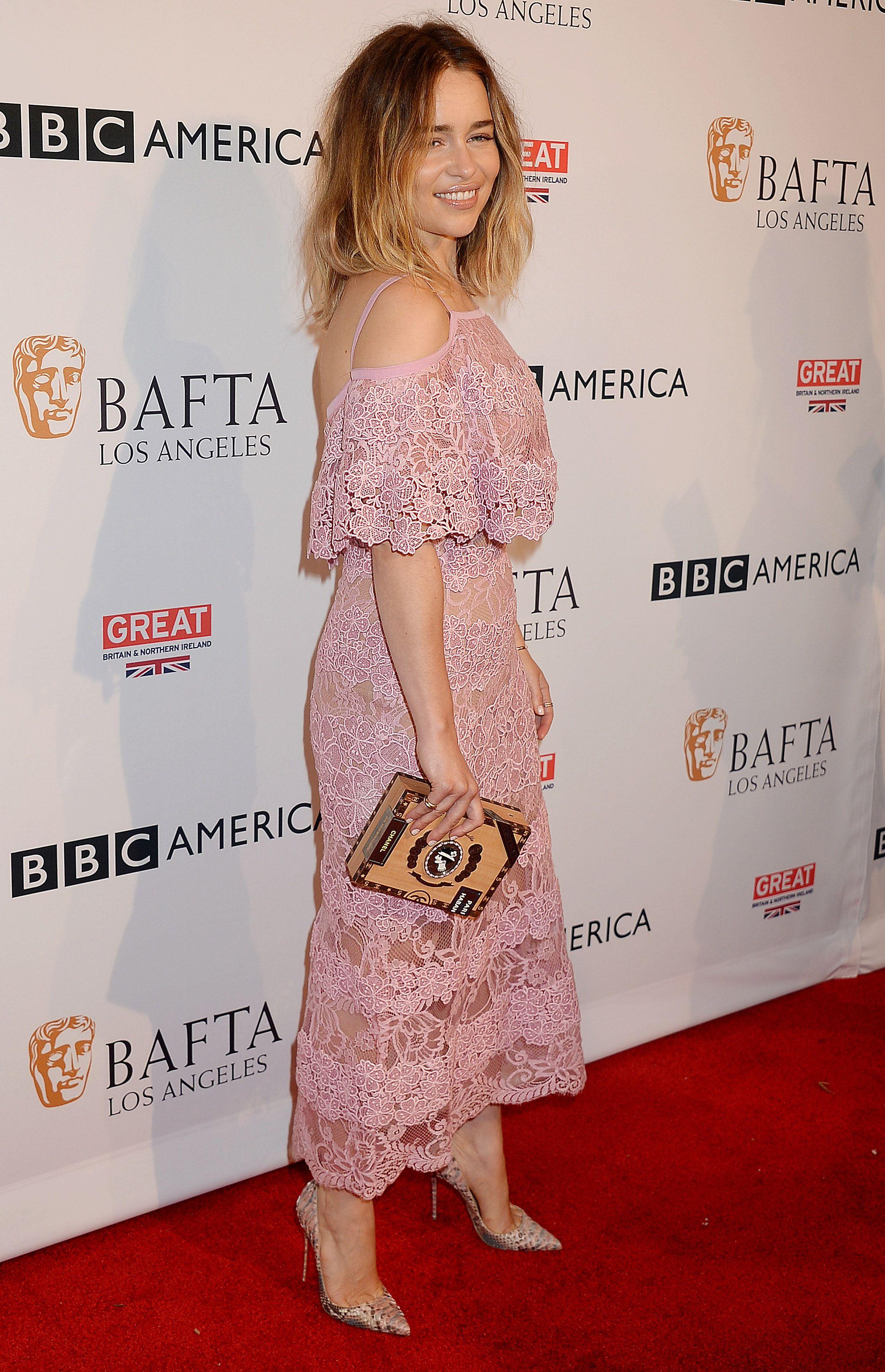 Pin de AJ Styles en Emilia Clarke   Pinterest   Moda para mujer ...