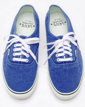 Can't go wrong with a pair of Vans | Sapatos, Looks, Look