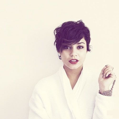 Best Hairstyles For Short Wavy Hair Pixie Haircutpixie Haircut Round Facescurly