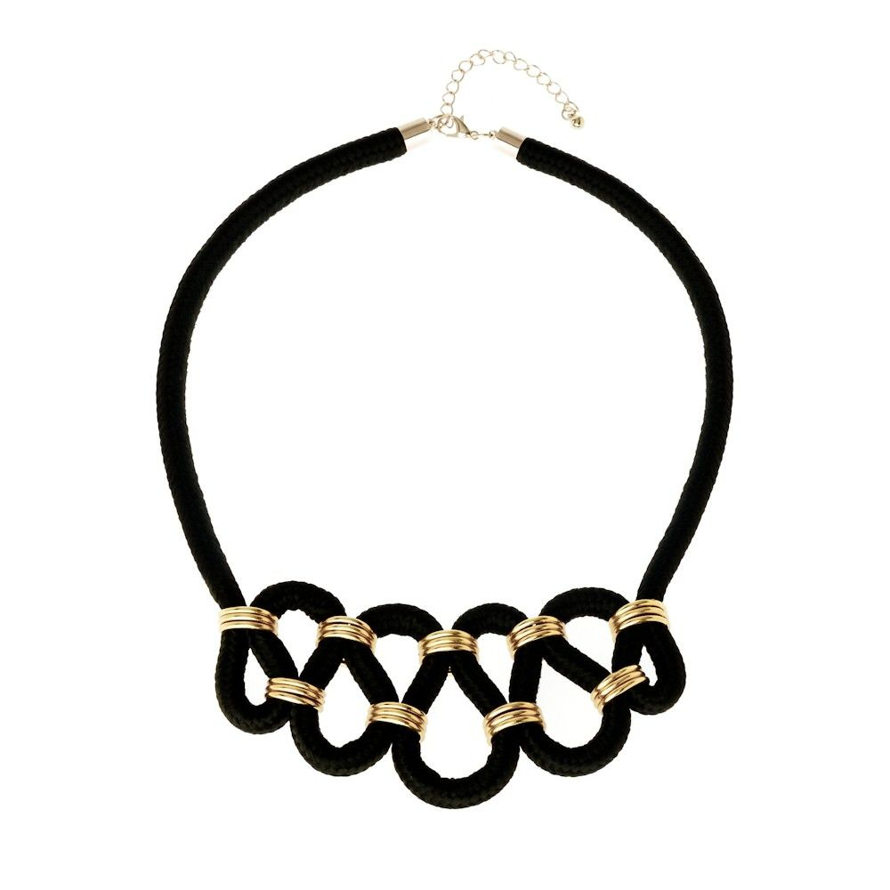 Pin en Crochet necklaces, bracelets and brooches