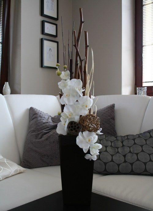 Photo of Aranžmá s orchidejemi v hnědobílé