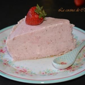 Receta de Tarta mousse de fresa con base de galleta