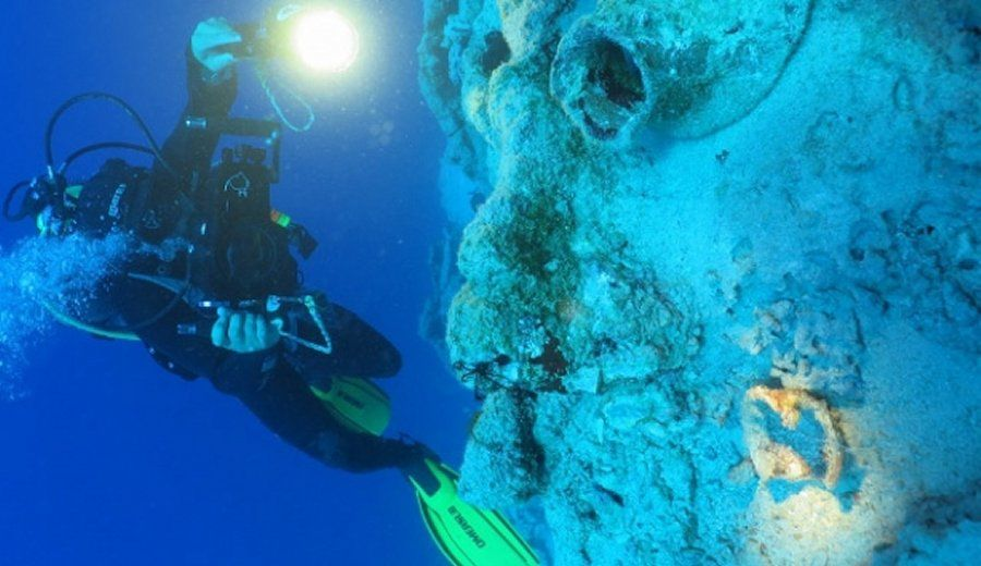 Underwater Discovery YearOld Shipwreck Belonging To - Explorers discover ancient 1200 year old egyptian city