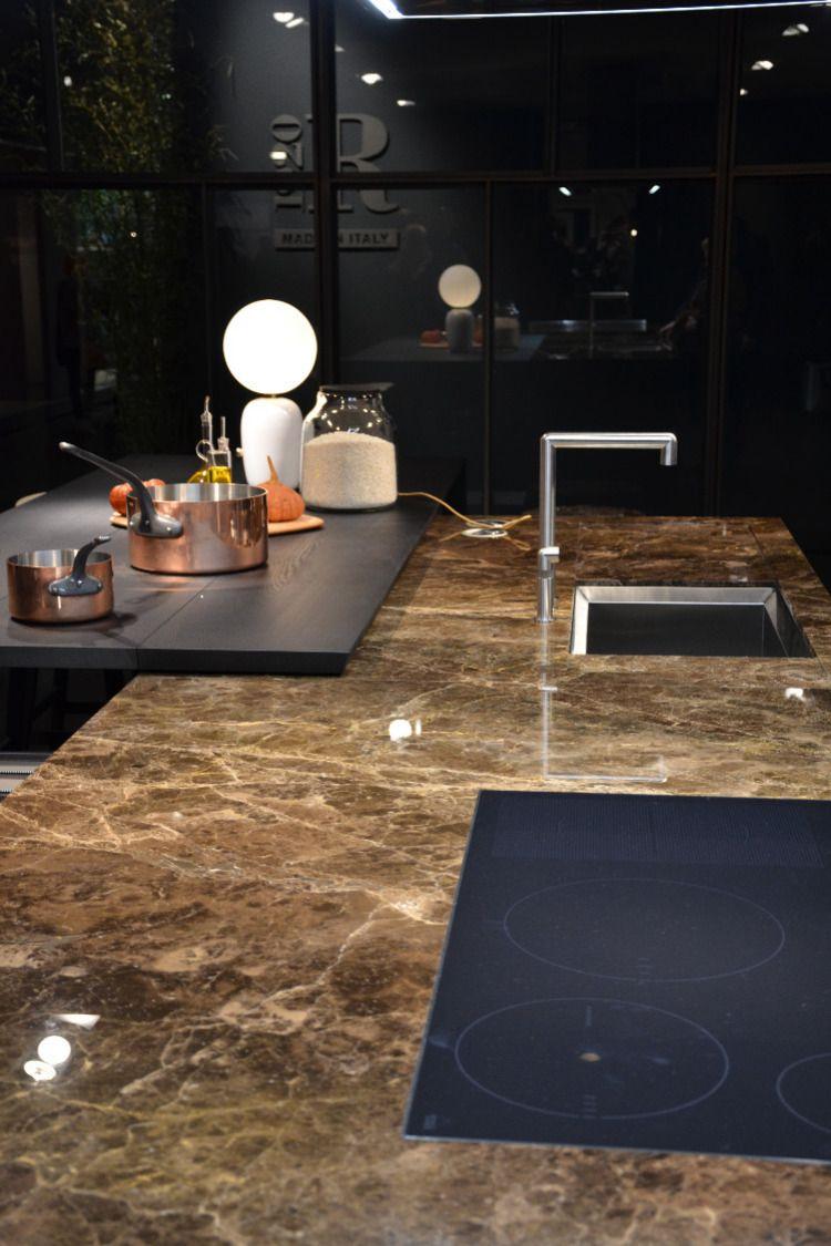 Kuchenarbeitsplatte Mir Fliesen Im Grossformat Erstellt Xxl Fliesen Granitboden Fliesen