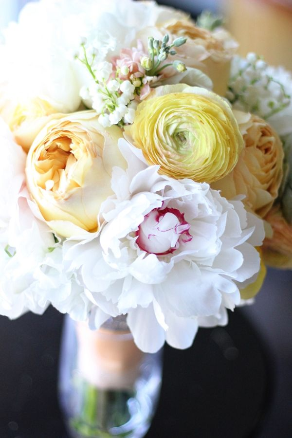 Exceptionnel Peach Pale Wedding Bouquet White Peonies Ranunculus Carmel Antike Garden  Roses Lily Of The Valley Manhattan Beach Florist