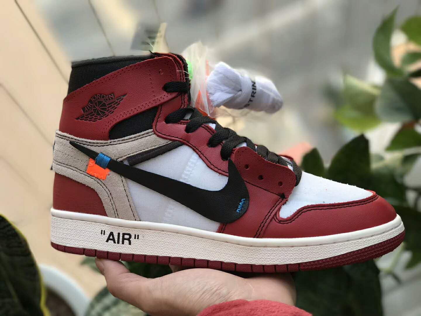 best sneakers 2c34d 1247e OFF-WHITE x Air Jordan 1 Retro High OG 10X Chicago AA3834-101