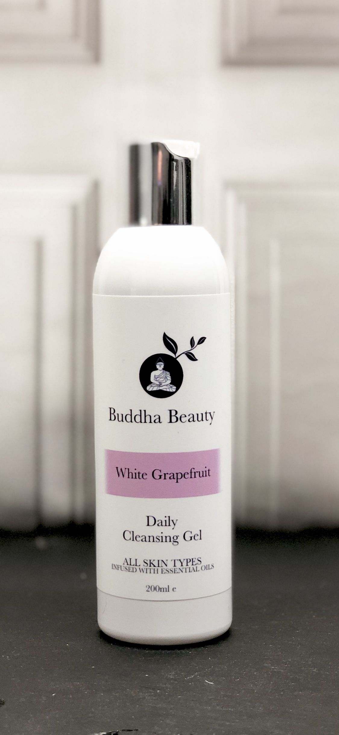 Our fresh foaming vegan gel cleanser has been blended with