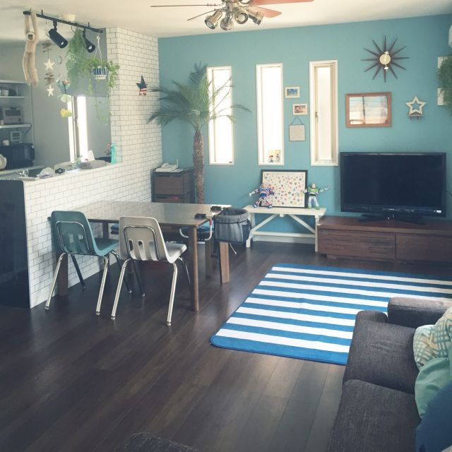 部屋全体 夏 フェニックスロベレニー 壁紙屋本舗 観葉植物 などの