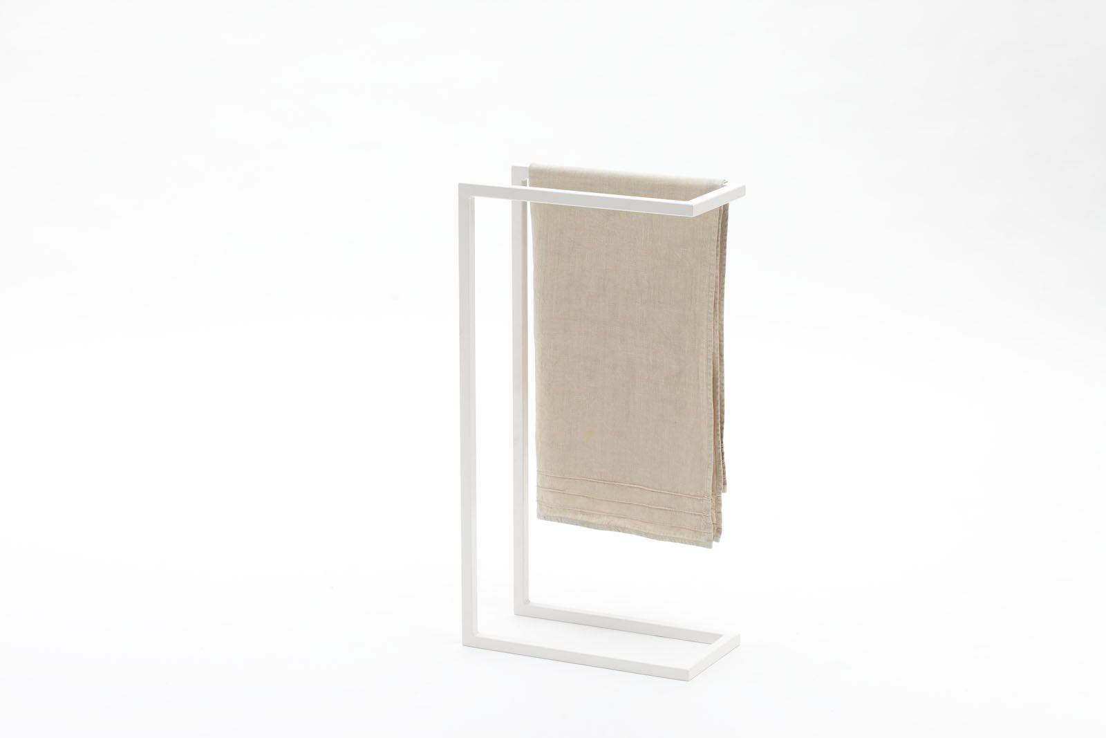 C 09 porta asciugamani da terra in acciaio verniciato - Mobili porta asciugamani bagno ...