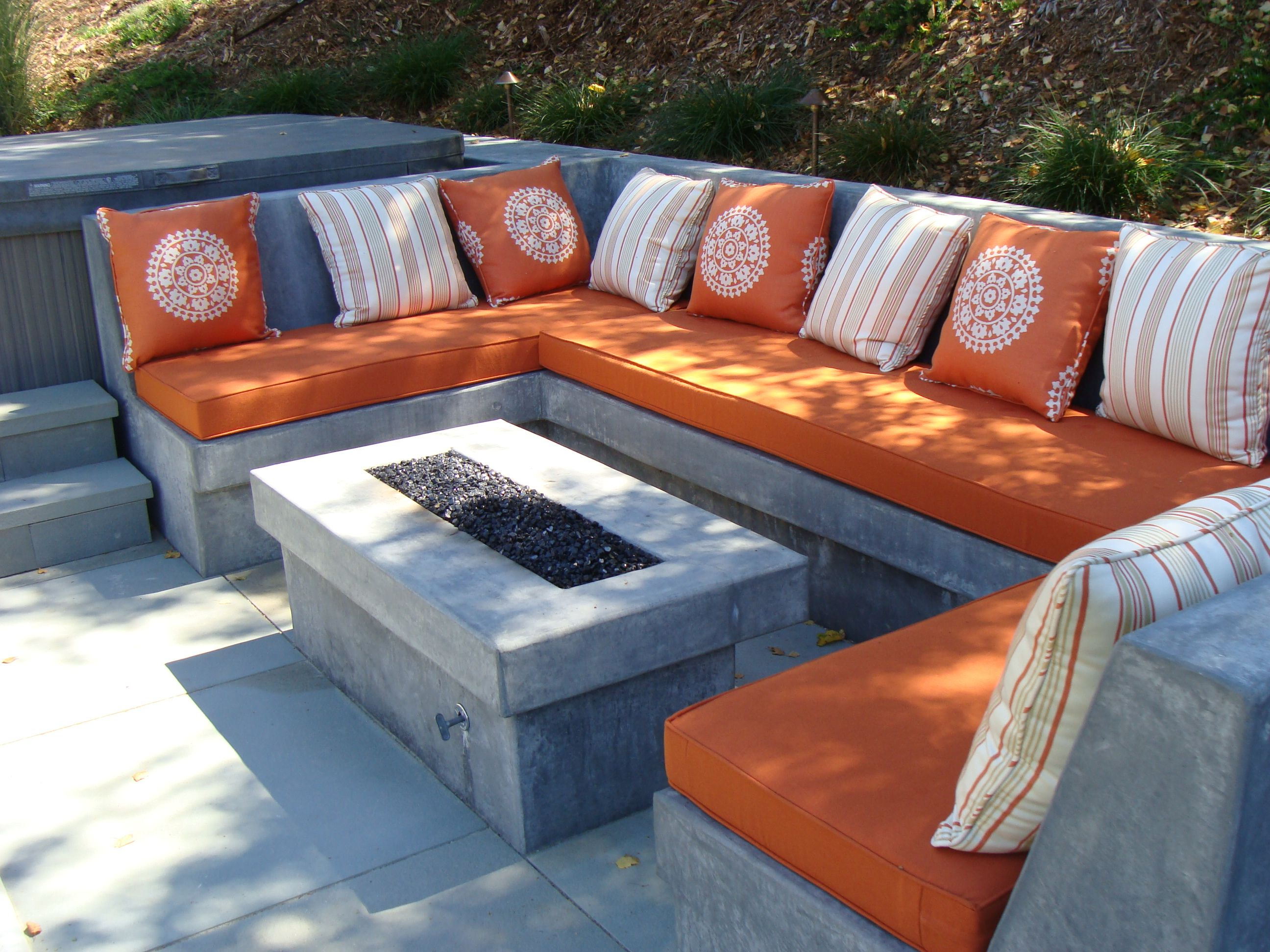Comfy Seat Wall Surround And Fire Pit For Hot Tub Patio In
