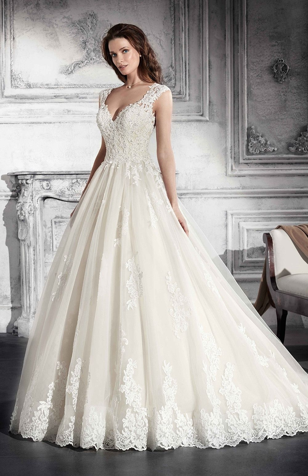 9f9df91495d Robe de mariée Demetrios 2018 Modèle   Νυφικά Φορέματα/ wedding ...