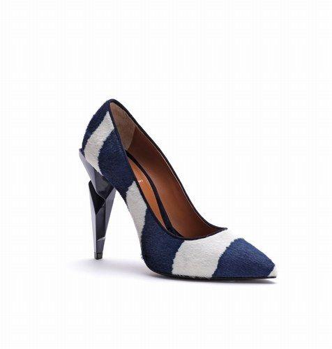 Zapatilla azul y blanco