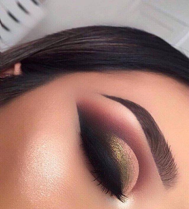 Gold and mauve eye makeup