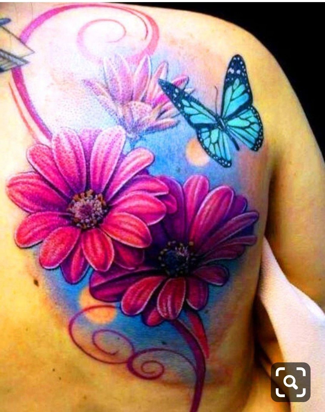 Pin By Ross Realties Of Fathom Realty On Tattoos Daisy Flower Tattoos Flower Tattoo Back Daisy Tattoo