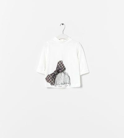 Image 1 of APPLIQUÉS T-SHIRT from Zara