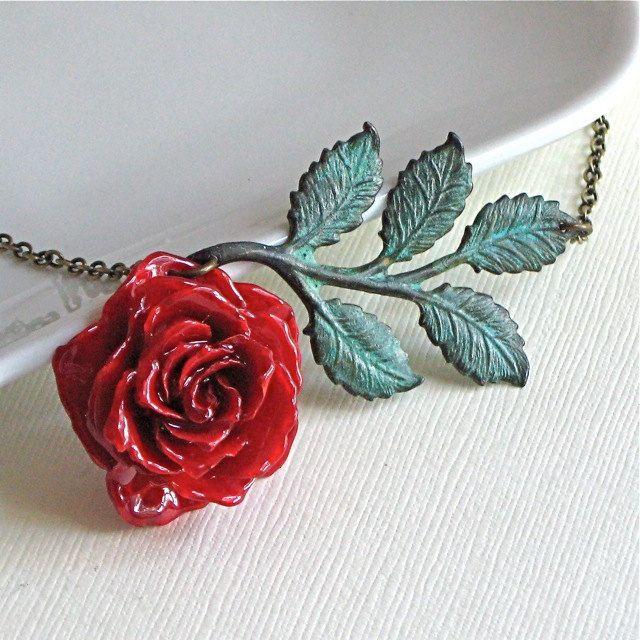 Real Red Rose Necklace Preserved Flower Jewelry Botanical Etsy Flower Jewellery Real Flower Jewelry Rose Necklace