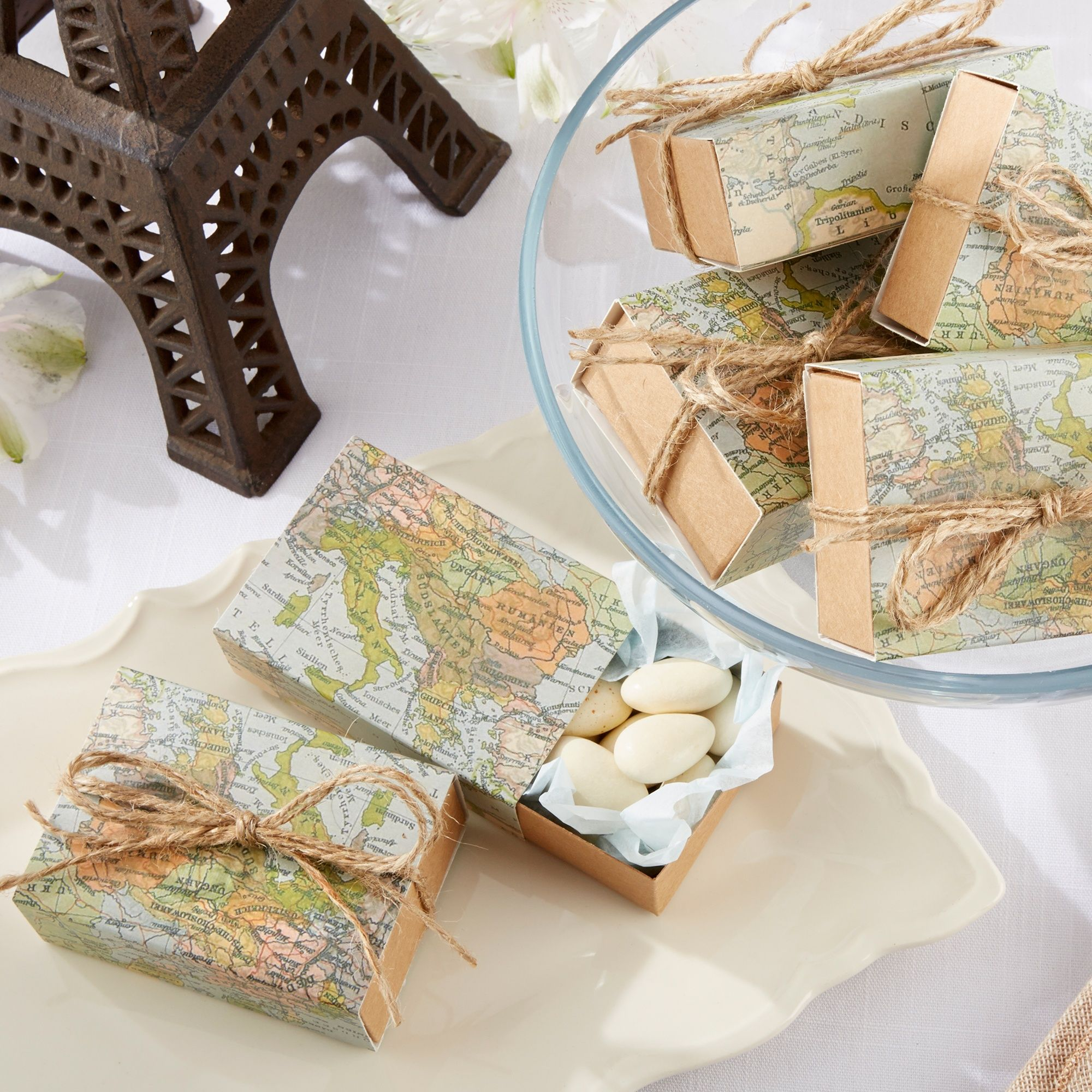 World Map Favor Box (set of 24) | #exclusivelyweddings | Mr. and Mrs ...