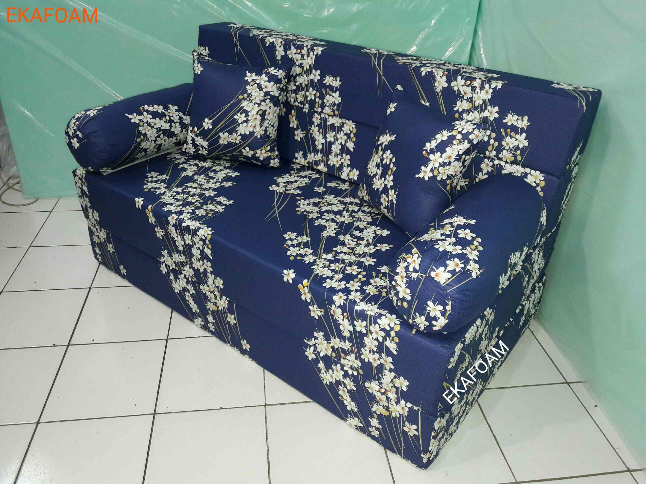 Sofa Bed Inoac Terbaru 2016 Motif BUNGA RANDU Saat Di Fungsikan