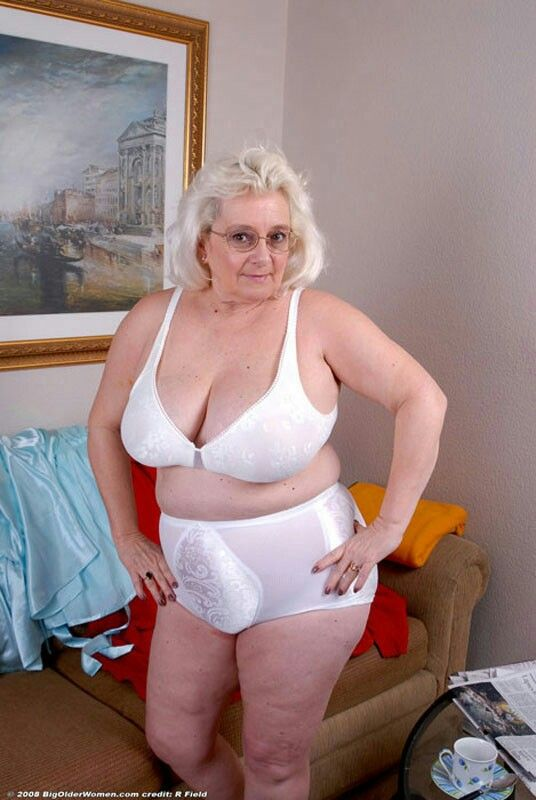 Pin On Mature Ladies I Want To Serve And Worship-1633