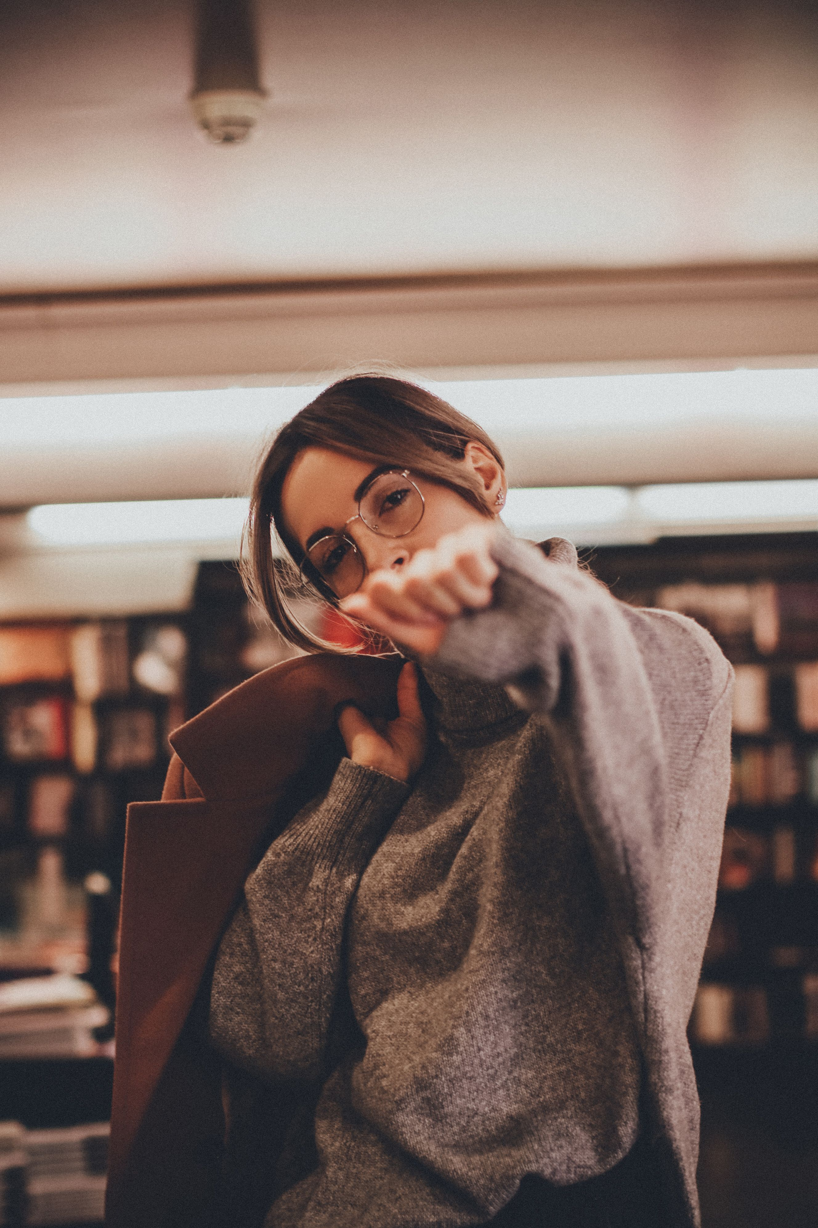 Фото с книгой, книга, Фотосессия в библиотеке, фотосессия ...