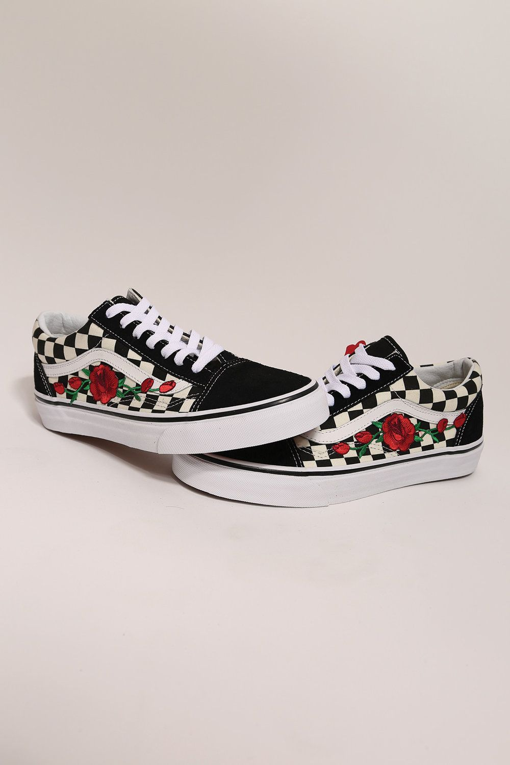 Custom rose vans checkered old skool low top  79f1ac19c