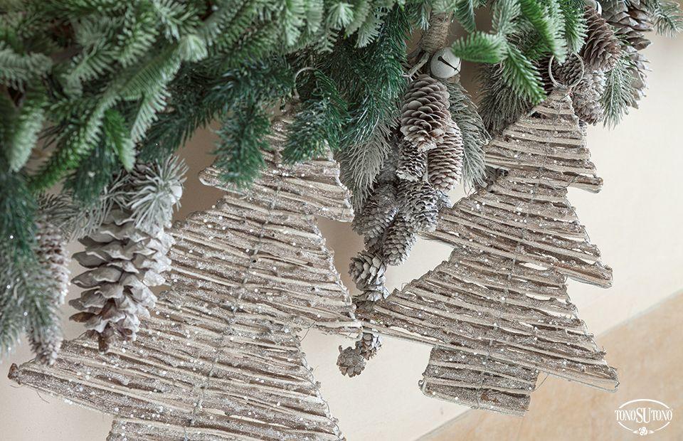 Natale TonoSUTono | Addobbi albero in rattan
