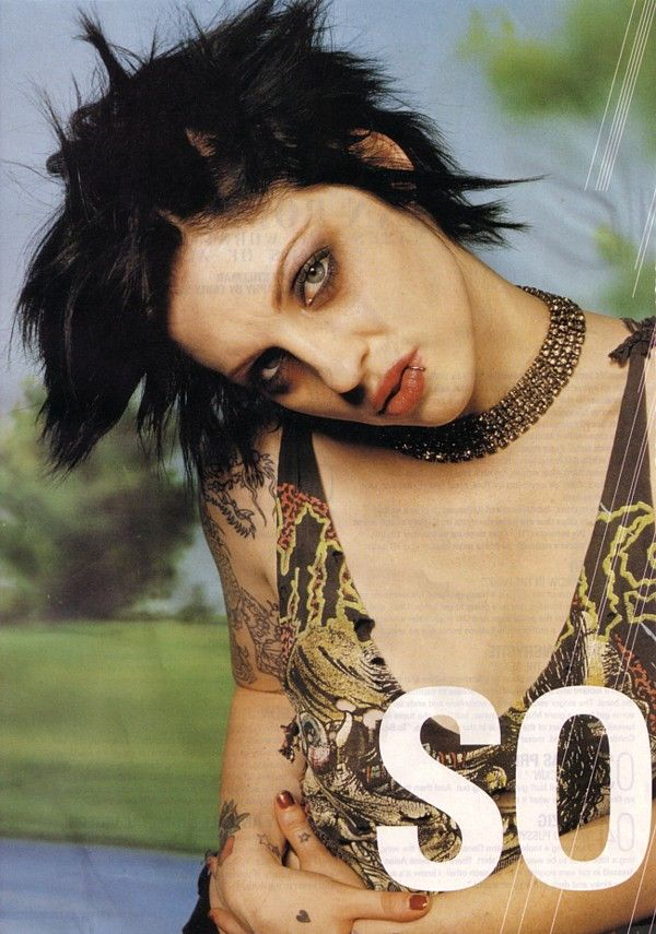 I Ve Always Loved This Makeup Look Worn By Brody Dalle Brody Dalle Punk Girl 90s Grunge Makeup