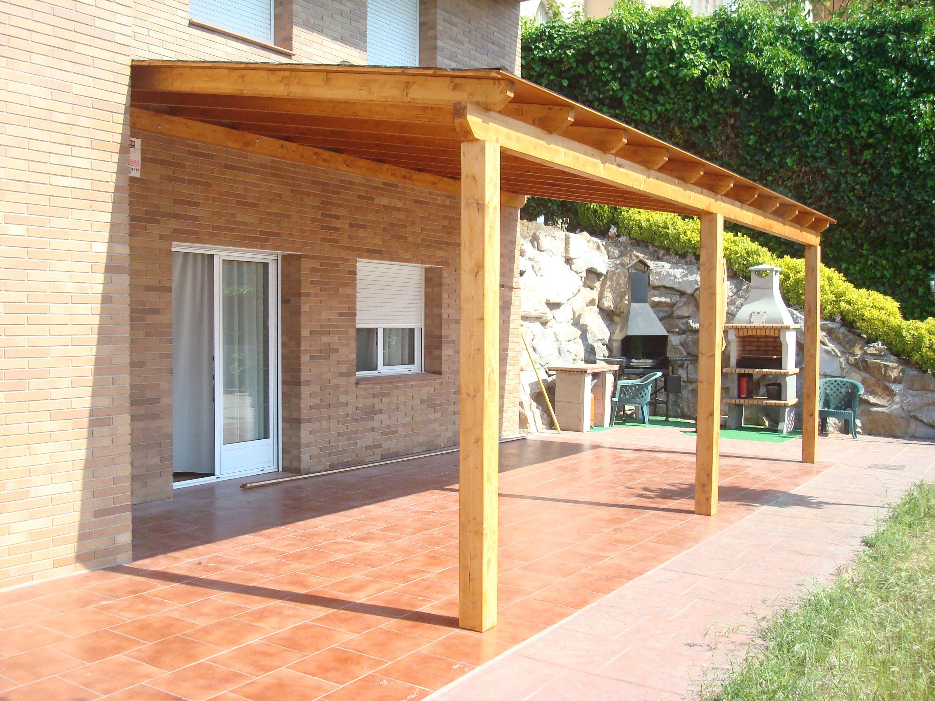 Especialistas en madera pergolas de madera con techo de madera y tegola fustmar pinterest - Pergolas y porches de madera ...