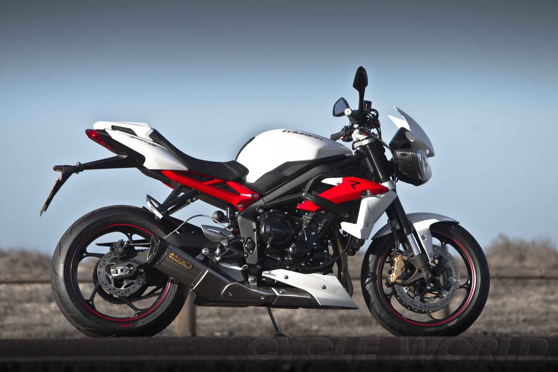 Outstanding Street Triple R In Crystal White With Accessory Flyscreen Ibusinesslaw Wood Chair Design Ideas Ibusinesslaworg