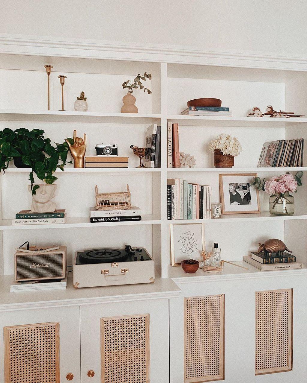 30 Brilliant Shelves Decoration Ideas For Living Room Sto