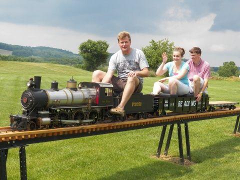 Train pictures 1 | Ride on train, Garden trains, Model ...
