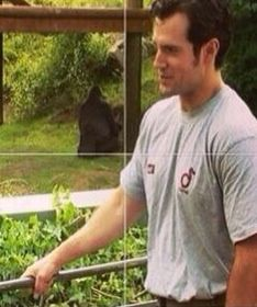Hold on to that railing Cavill cuz I wanna take an impromptu tour of that preserve witcha!!!