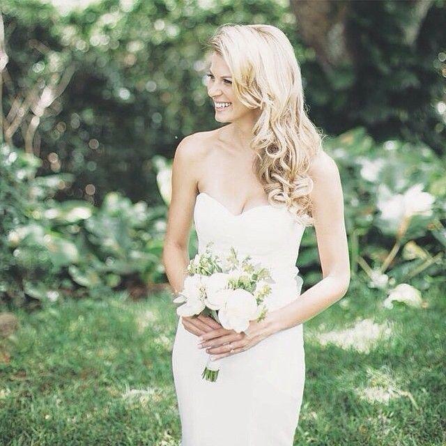 Beautiful blonde bride in the Nicole Miller Dakota wedding dress ...