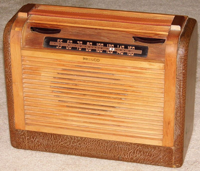 Vintage Philco Portable Radio Model 46