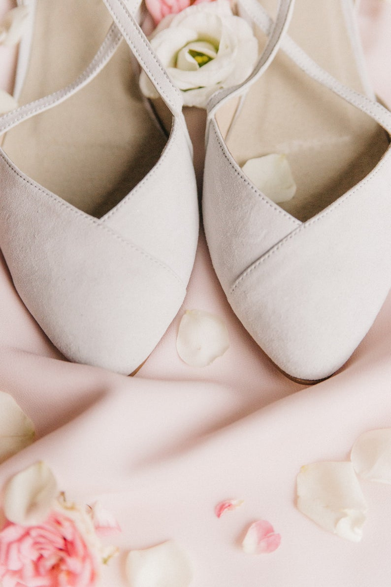 Wedding Shoes White Wedding Shoes Shoes Wedding Shoes Etsy In 2020 Wedding Shoes Heels Bride Shoes Wedding Shoes Low Heel