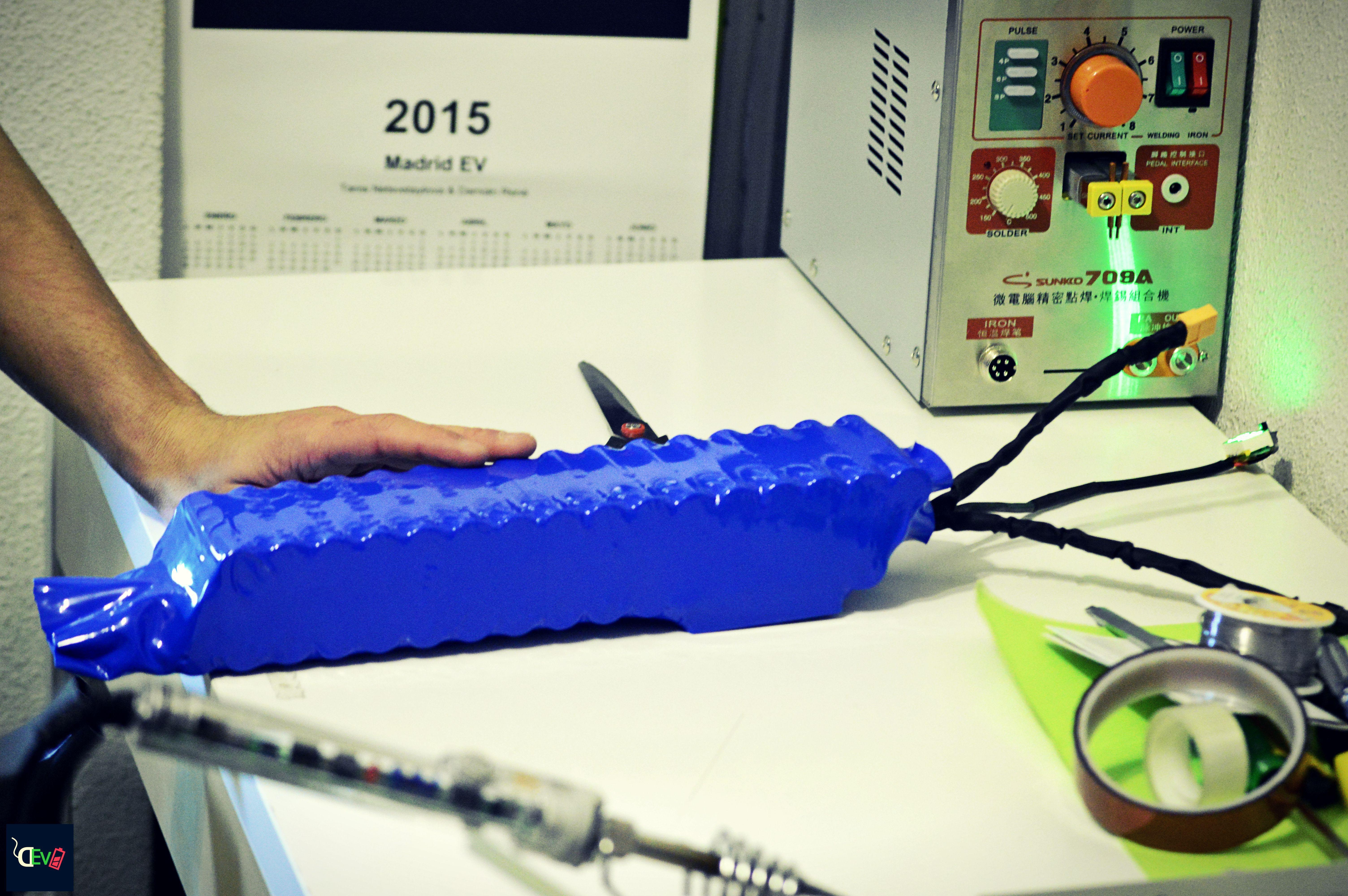 Shrink wrapping 60V 8 7Ah custom battery pack #ebike #battery