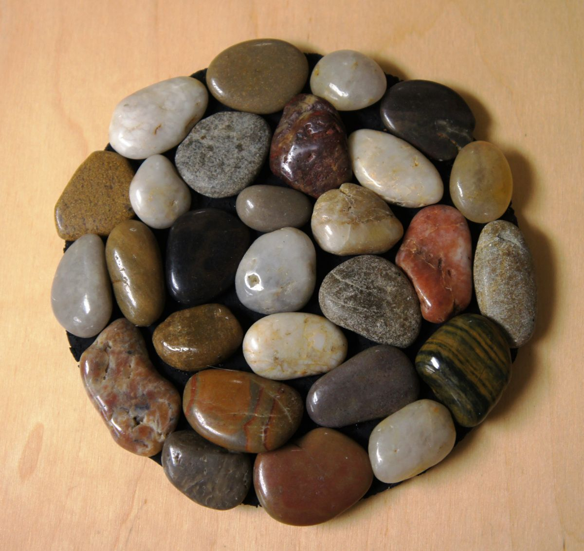 River rock trivet this was a fun and easy craft for adults for Crafts made from rocks
