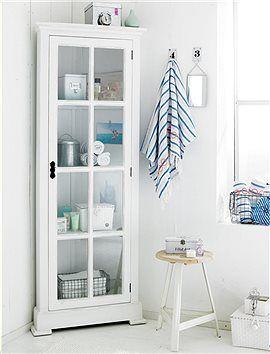 eck vitrinenschrank platzsparend zierlicher vitrinenschrank f r die ecke der schrank aus. Black Bedroom Furniture Sets. Home Design Ideas