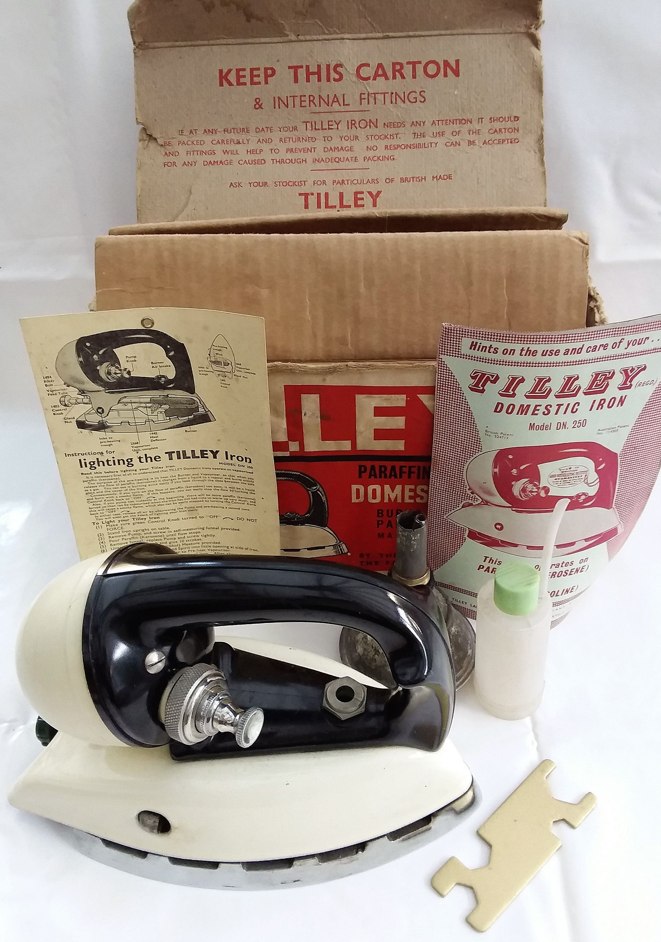 Tilley Paraffin Iron Rare Vintage Iron In Original Box With Instructions And Accessories Unused Kerosene Iron Vintage Iron Iron Vintage Appliances