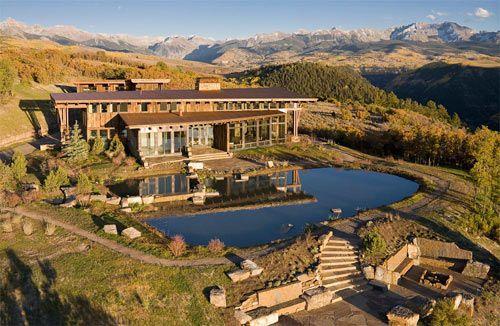 Schon Vivienda Situada En Telluride, Colorado, Un Lugar Rodeao Por Montañas Y Con  Vistas A Un Barranco De 1500 Metros.