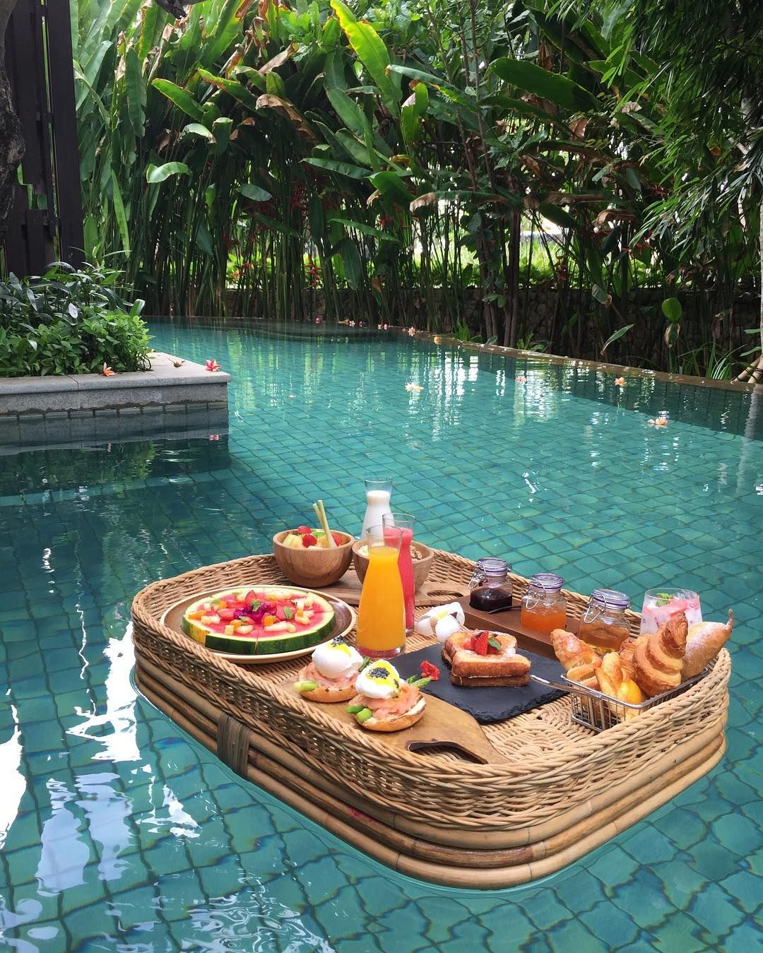 Floating Food Ideas: A Floating Breakfast In Bali At The Ritz Carlton